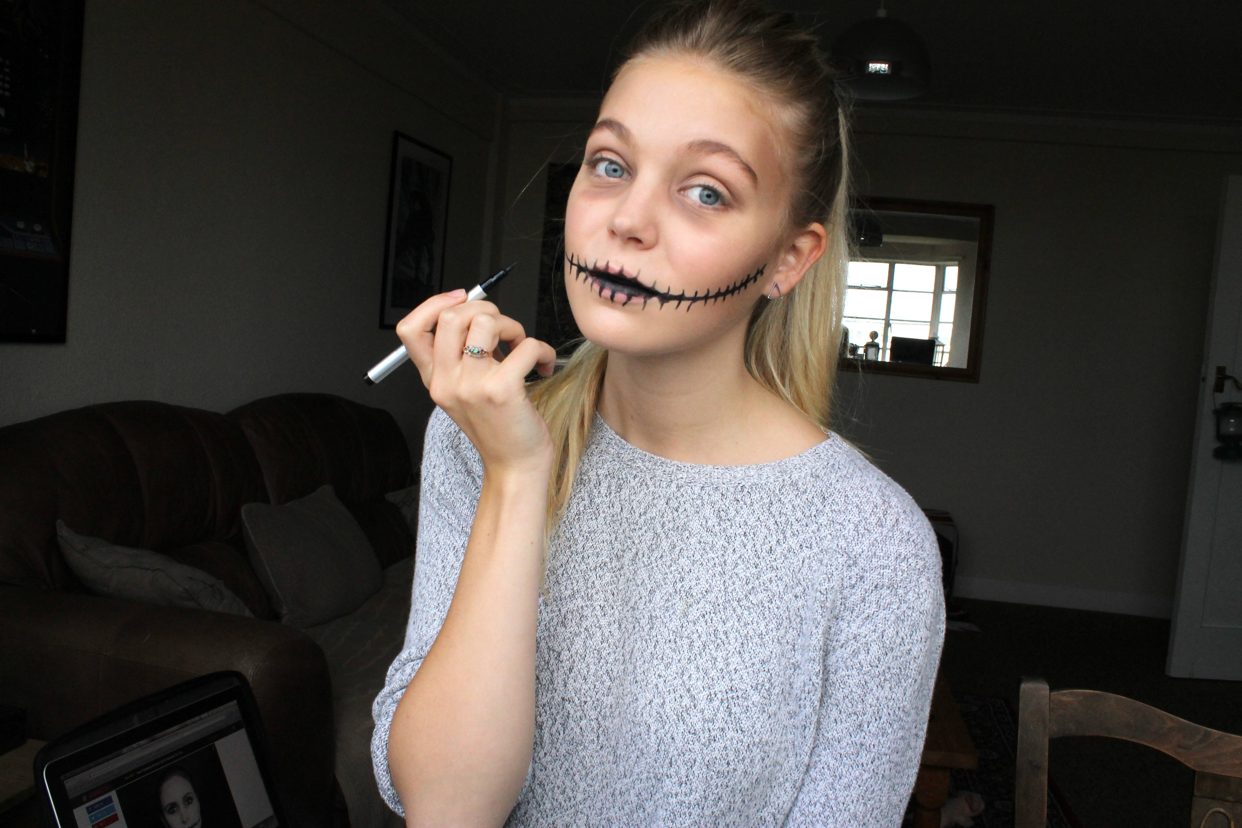 Halloween Make Up Tutorial: Stitched. - Fifi\'s Looking Glass.